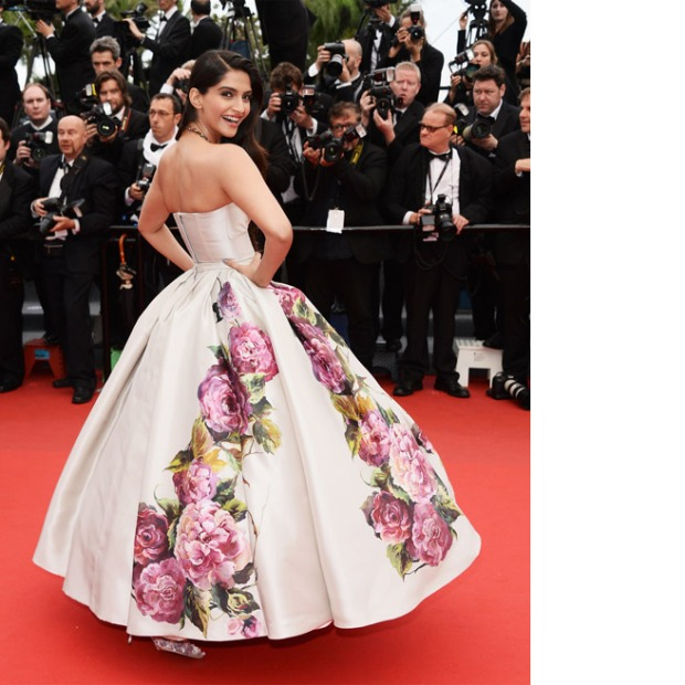 Sonam Kapoor, in Dolce & Gabbana, with Sunita Kapoor jewels.