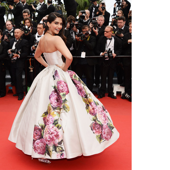 Sonam Kapoor, in Dolce & Gabbana, with Sunita Kapoor jewels.