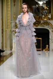 Long celosia grey dress with long sleeves in lace and tulle embroidered waist