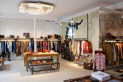 paris_1389_centre_commercial_4fd07c821edfa30001000e2a_store_main_new