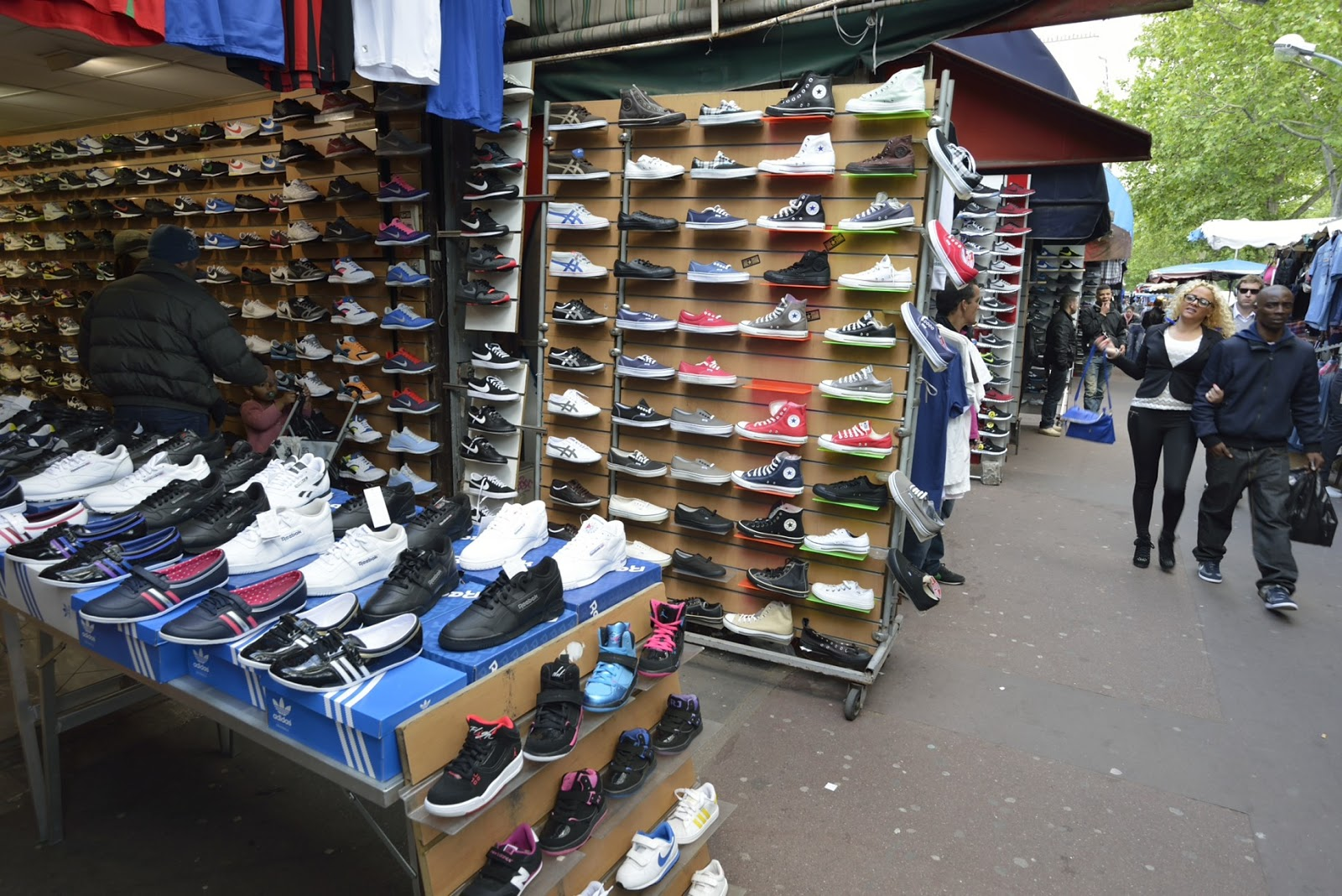 The two different sides of the Flea Market in Paris