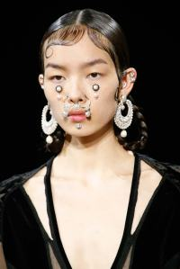Givenchy-Fall-2015-Septum-Rings-Face-Jewels-11