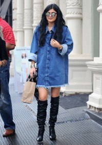 kylie-jenner-denim-dress