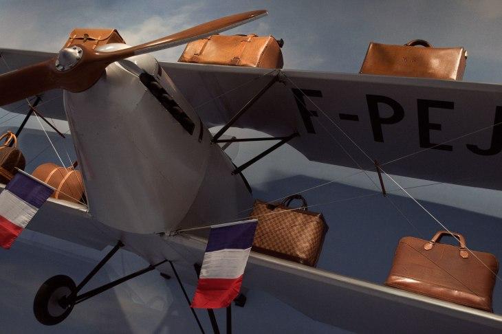 Louis-Vuitton-Volez-Voguez-Voyagez_plane