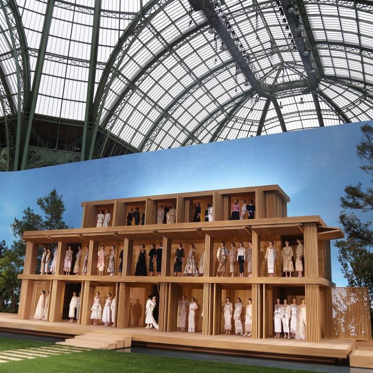 10-chanel-couture-wooden-doll-house