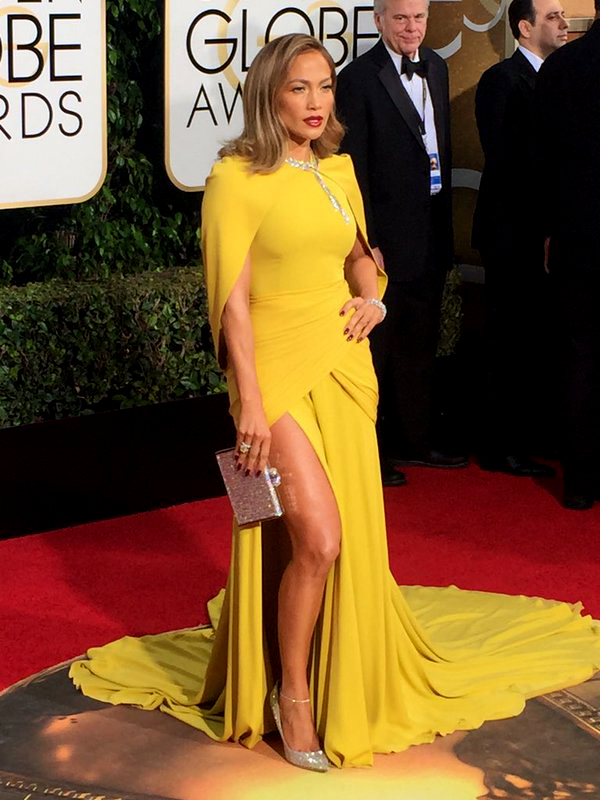 Jennifer Lopez in Giambattista Valli at the Golden Globe Awards 2016
