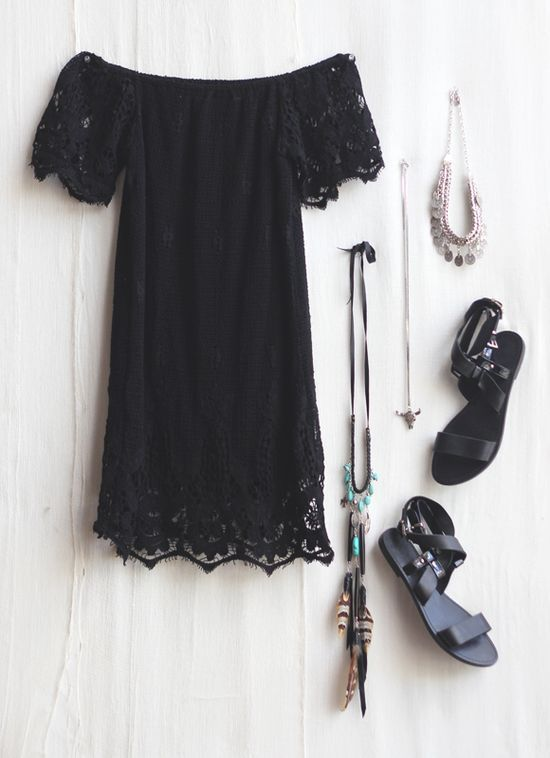 Cute little dress with off shoulder style ©Pinterest