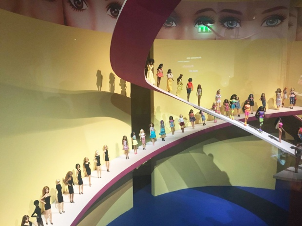 A lot of Barbie dolls ©Emilie Heyl